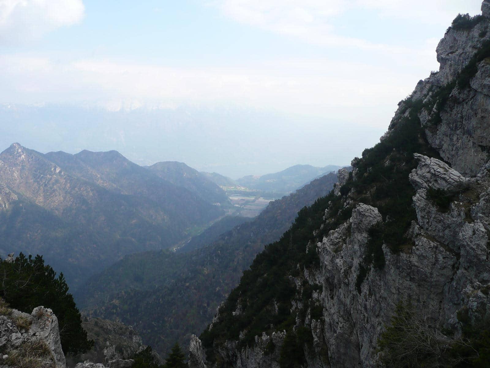 Rundblick vom Pass in Tal auf den Gardasee
