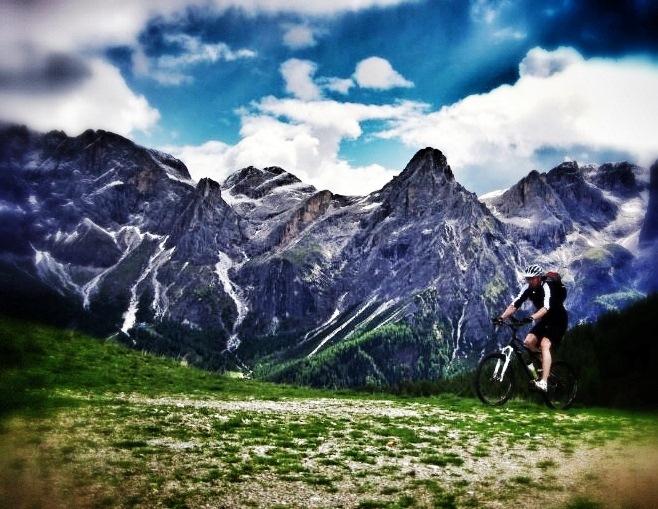 Dolomiten Cross: Mit dem Mountainbike über den Bindelweg