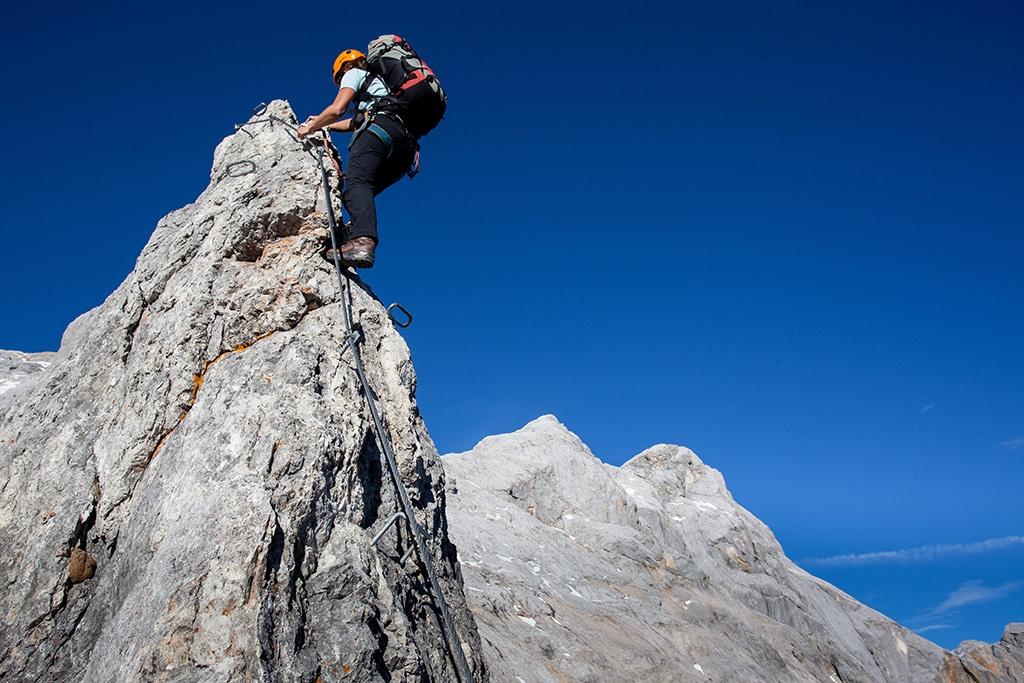 Klettersteig - ob Genussklettersteige oder Sportklettersteige - die Sportart gewinnt von Jahr zu Jahr mehr Freunde