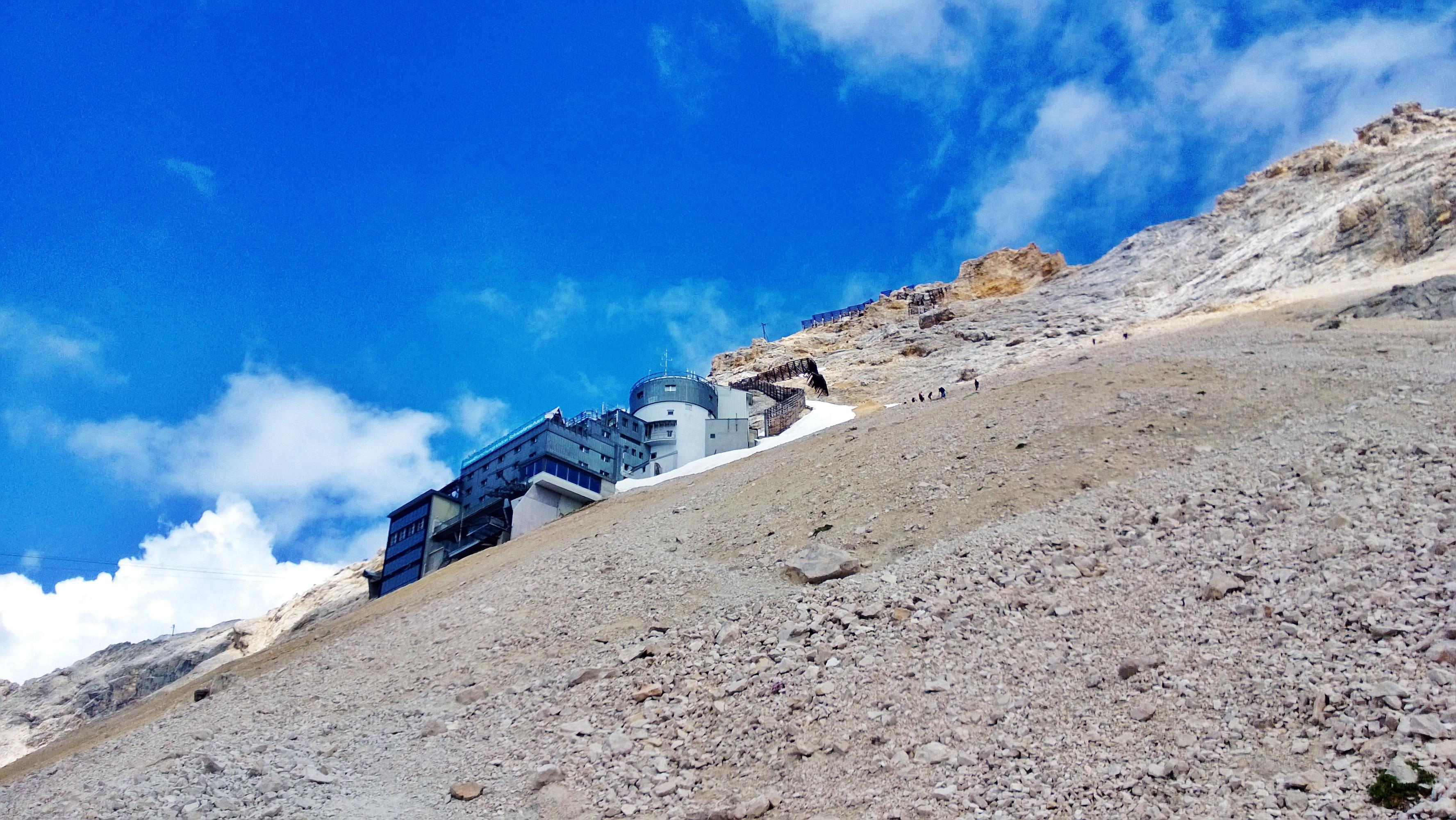 Letzter Aufstieg zur Zugspitze über das Geröllfeld