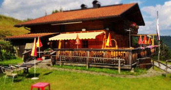 Die Faschingalm am Fuße des Skigebiets Zettersfeld bei Lienz