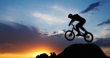 Mountainbike - Urlaub aktiv genießen © Thomas Northcut/Digital Vision/Thinkstock