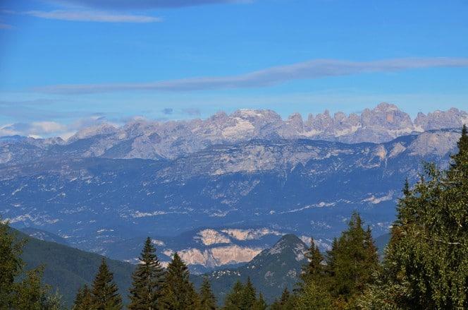 Blick von der Valgasuna in die Brenta Dolomiten