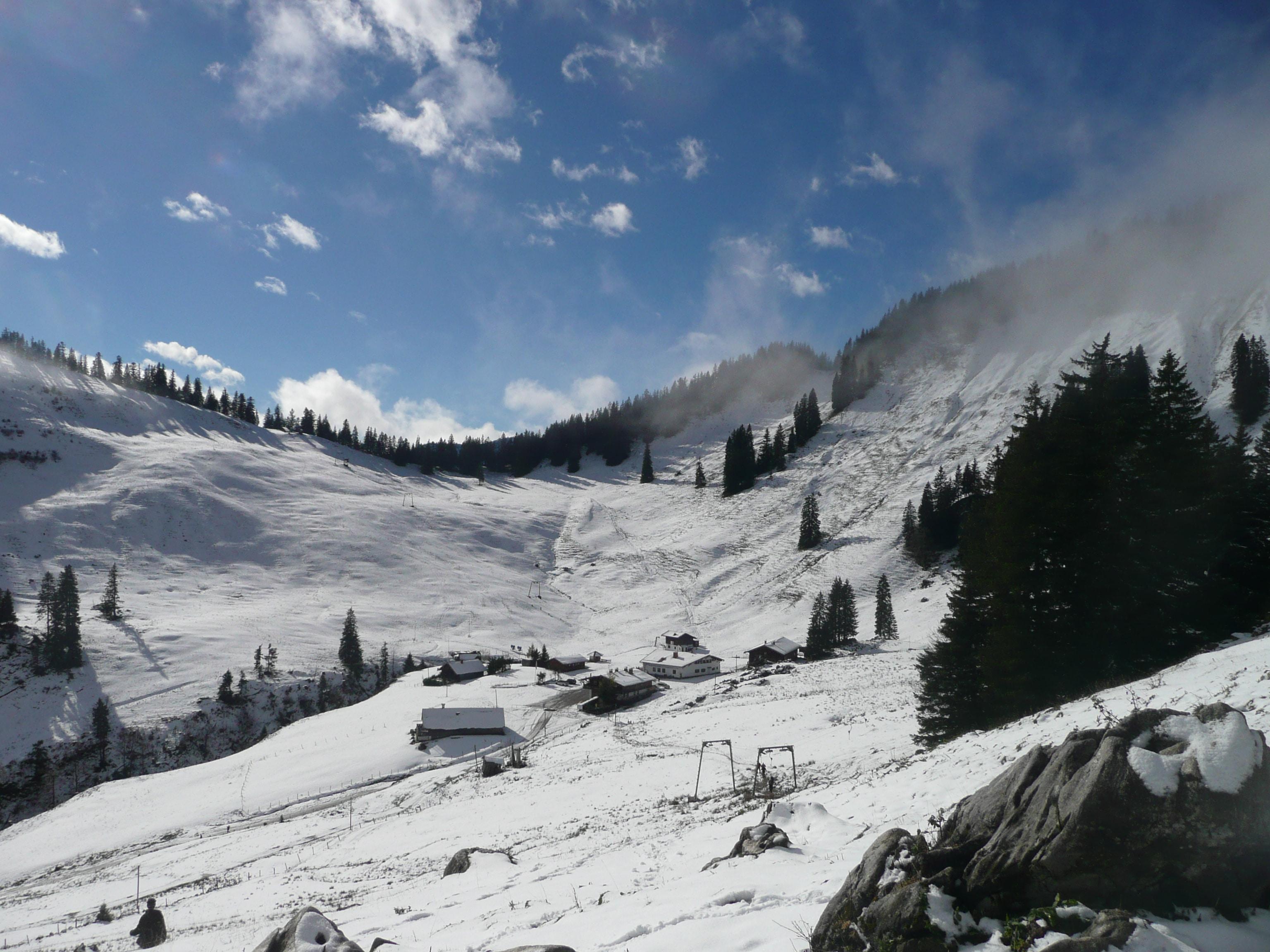 Firstalm Spitzingsee: Im Winter Rodeln und Ski, im Sommer Mountainbike und Wandern