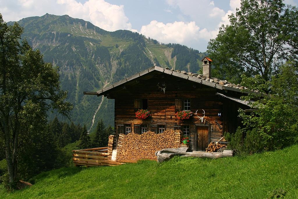 Schöne Hütten und herrliche Ausblicke: Wandern im Allgäu