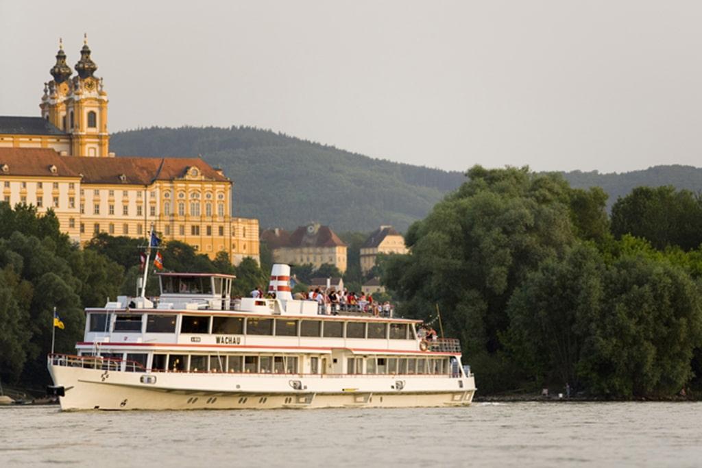 Schiffahrt auf der Donau