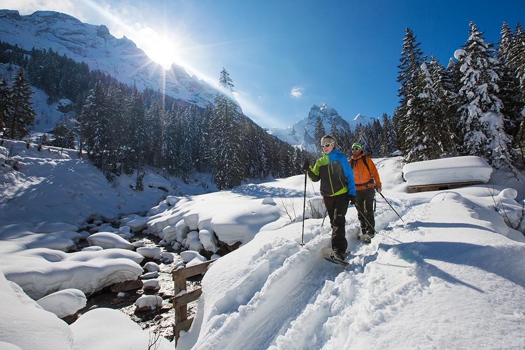 Schneeschuhlaufen im Haslital im Berner Oberland