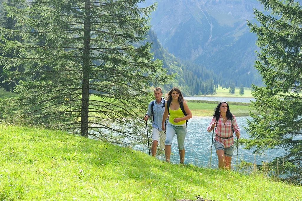 Tannheimer Tal Wandern am Haldensee
