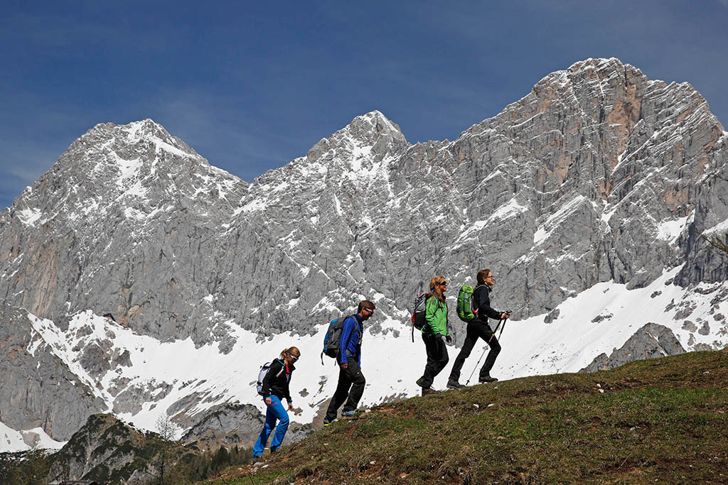 Wandern am Dachstein - der Dachstein Rundwanderweg