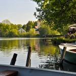 Der Wesslinger See im Fünf Seen Land im Süden von München