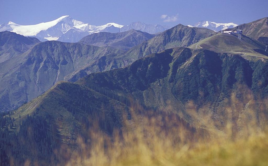 Blick über die Berge von Saalbach Hinterglemm