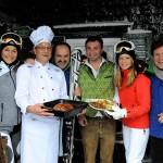 News: Starkoch Johann Lafer mit Promis auf Skihütten-Tour