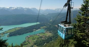Herzogstandbahn mit Karwendel und Wettersteingebirge